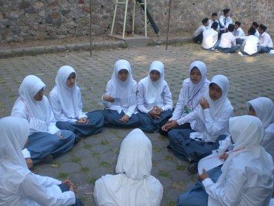 pengertian diskusi kelompok