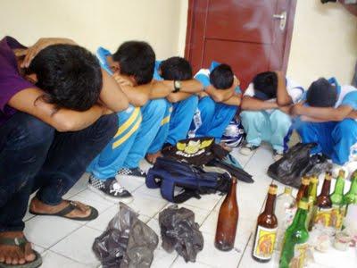 Contoh Makalah Kenakalan Remaja Narkoba